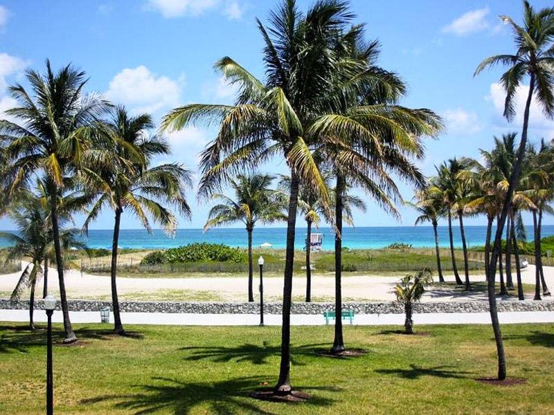 Lummus park beach, Miami, FL