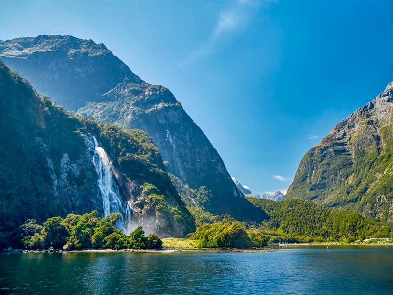 Place to Visit in Milford Sound, New Zealand