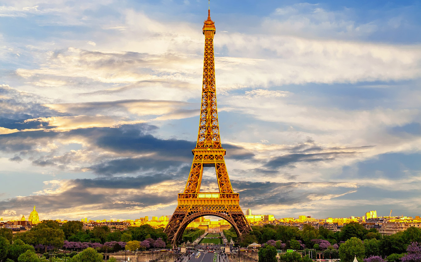 Paris, France Life Changing Vacation Spot for Couples