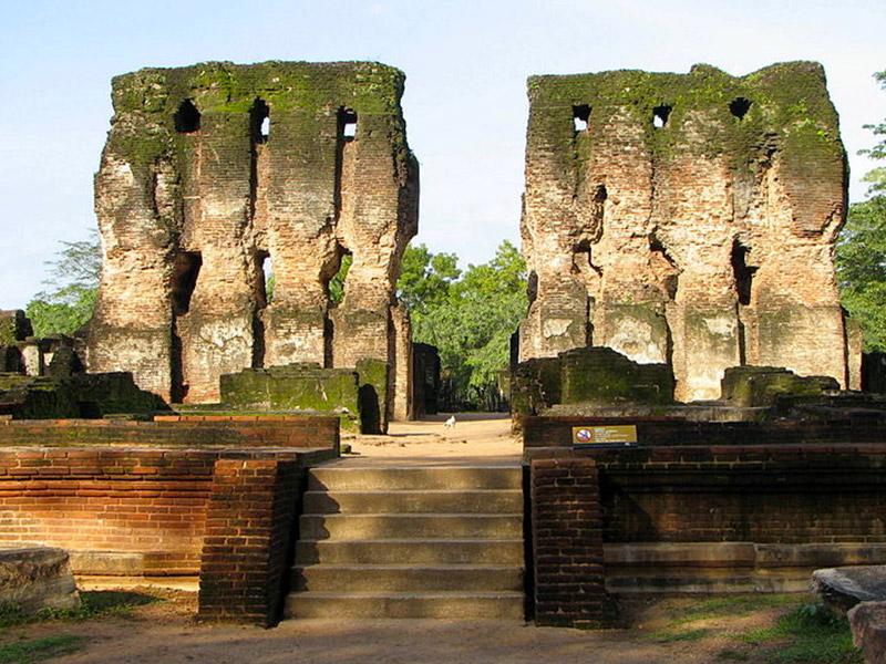 Place to Visit in Polonnaruwa, Sri Lanka