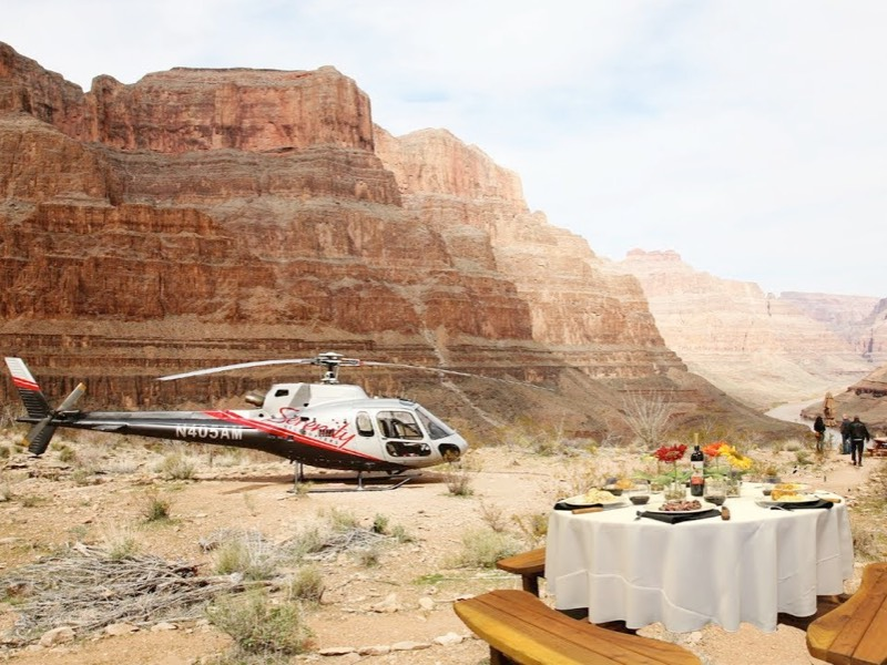 Helicopter Tour with Dinner at Grand Canyon