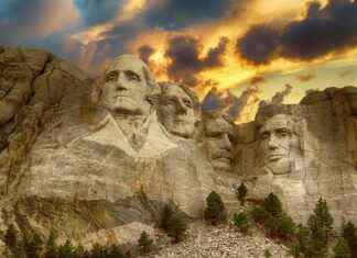 Must See & Visit Attractions in Mount Rushmore